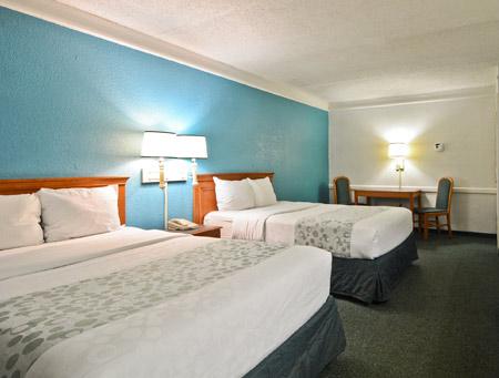 motel-6-little-rock-room